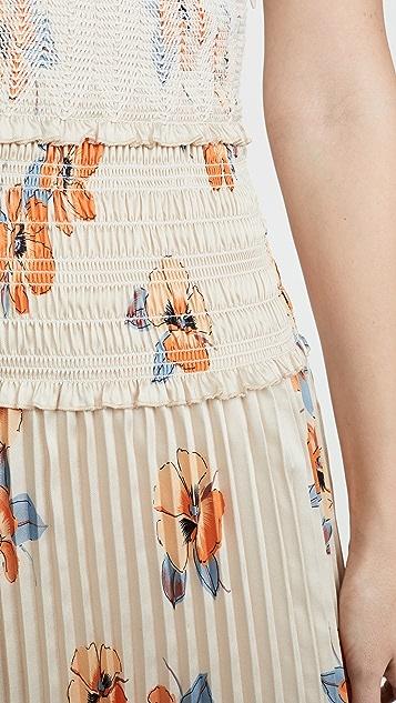 Nicholas Присборенное платье с перекрещенной отделкой спереди
