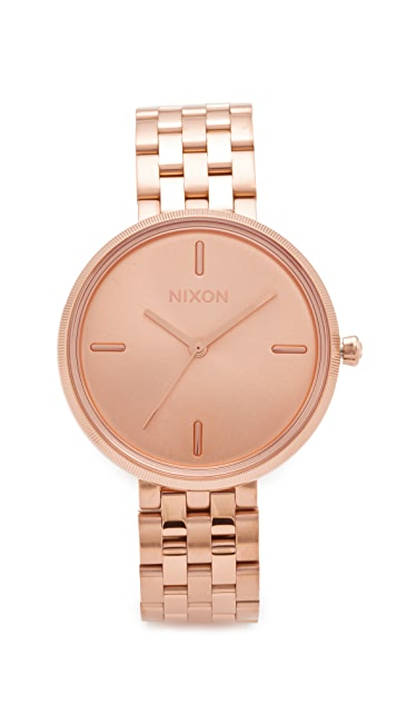 Nixon The Vix Watch