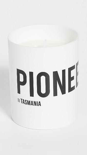 Nomad Noe Pioneer In Tasmania - Sea Salt & Coconut - 220g