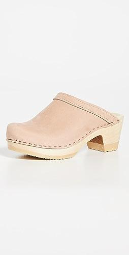 No.6 - 复古风格中跟木底鞋