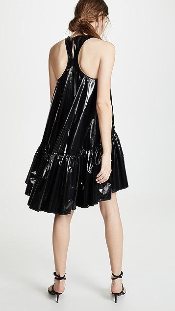 No. 21 Платье без рукавов из лакированной кожи