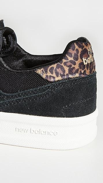 New Balance 黑色系带运动鞋