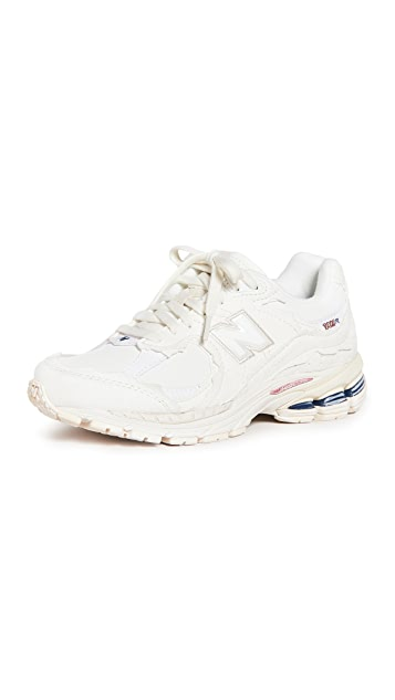 New Balance 2002R Classic Lace Up Sneakers