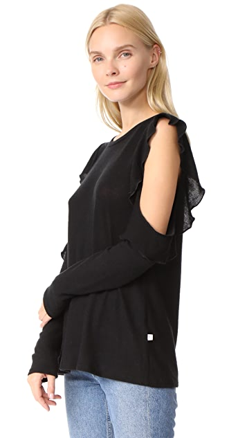 NYTT Ruffle Cold Shoulder Tee