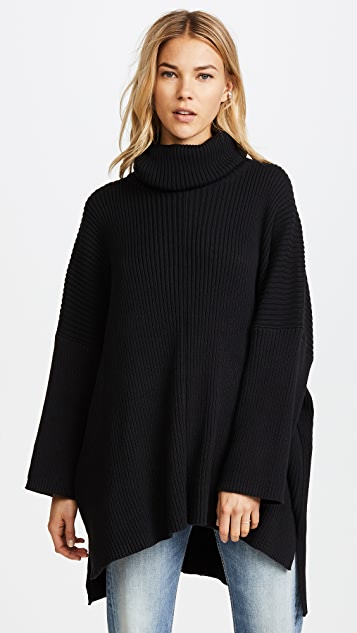 Oak Massive Turtleneck Sweater