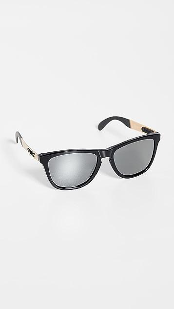 Oakley OO9428 Frogskins Sunglasses
