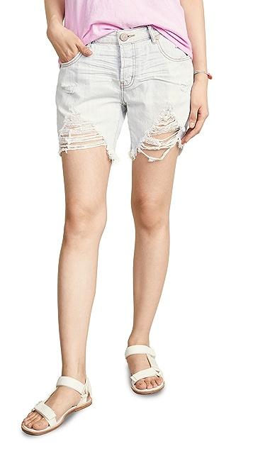 One Teaspoon Brando Stevies Boyfriend Shorts