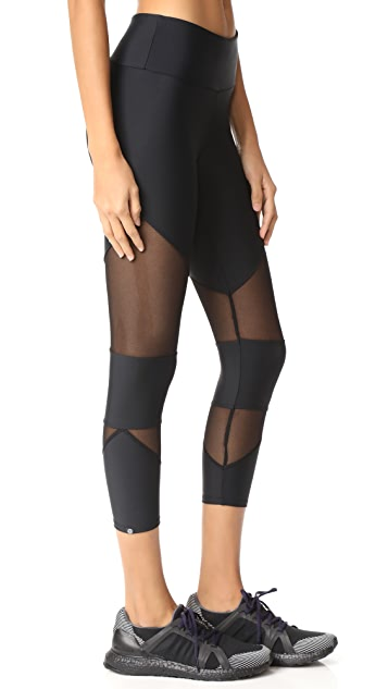 Onzie Mesh Cutout Capri Leggings