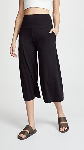 Onzie Wide Leg Crop Sweatpants