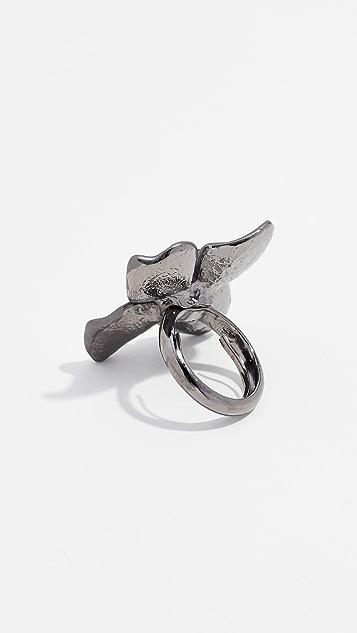 Oscar de la Renta Painted Flower Ring