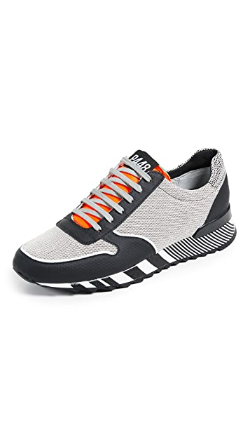 P448 Striped Sole Runners