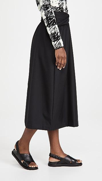 3.1 Phillip Lim 羊毛波纹形半身裙搭配翻折腰部