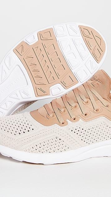 APL: Athletic Propulsion Labs Techloom Tracer 运动鞋