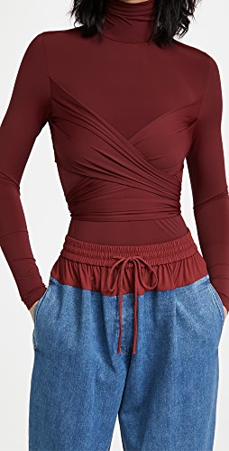 pushBUTTON - Crossover Wrap Wine Top