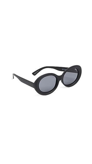 Quay Mess Around Sunglasses