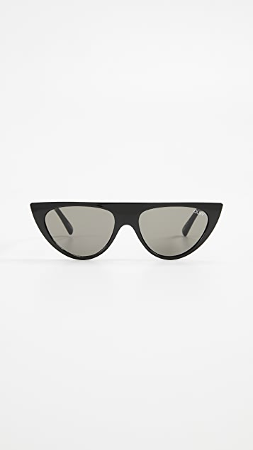 Quay Run Away Sunglasses - Black/Smoke