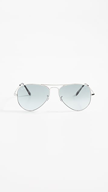 Ray-Ban RB3689 Icons Flat Aviator Sunglasses