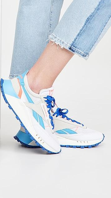 Reebok 经典皮传统运动鞋