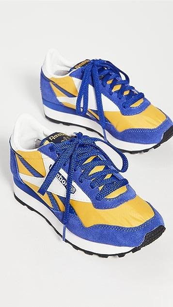 Reebok Aztec II Sneakers