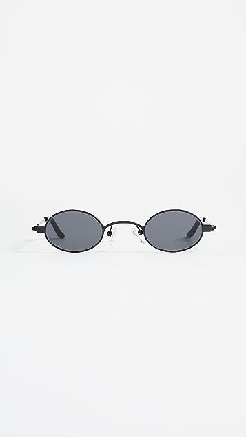 Roberi & Fraud Doris Sunglasses - Black/Black