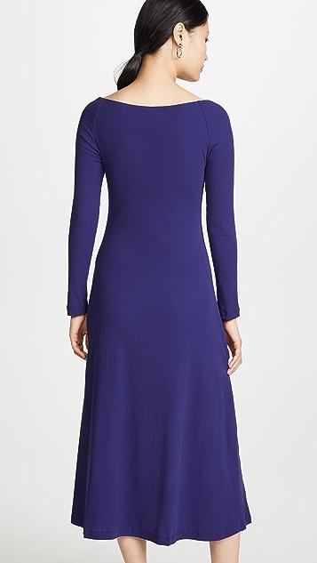 玫瑰红灰色 镂空 V 领连衣裙