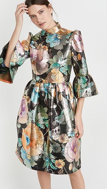 Runway Marc Jacobs 喇叭袖锦缎连衣裙