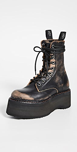 R13 - 双叠跟系带靴子