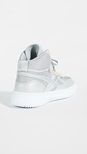 Reebok x Victoria Beckham Dual Court Mid II VB 运动鞋