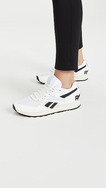 Reebok x Victoria Beckham VB Rapide 运动鞋