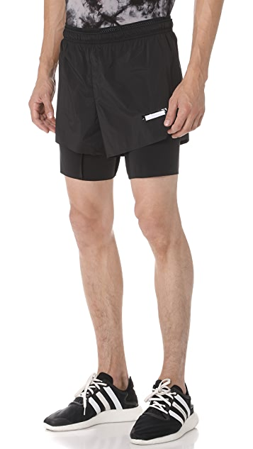 Satisfy Short Distance 8 Shorts