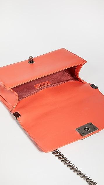 Shopbop Archive Medium Chanel Boy V 字型单肩包