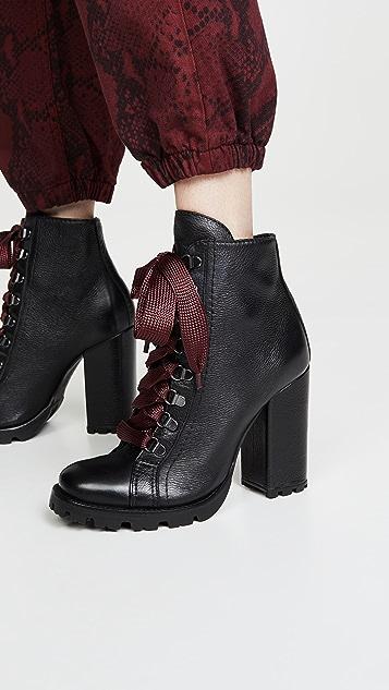 Schutz Zara 沟纹鞋底靴子