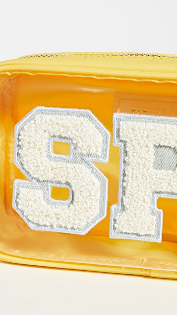 Stoney Clover Lane Прозрачная маленькая косметичка с буквами «SFP»