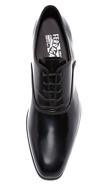 Salvatore Ferragamo Dunn Plain Toe Lace Up Derbys