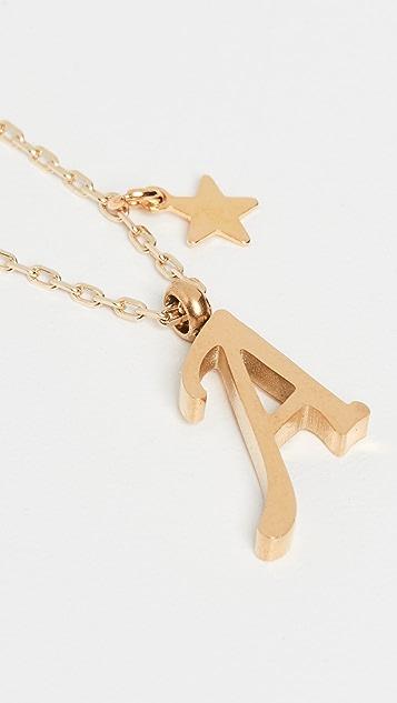 Shashi 字母吊坠配以星星装饰