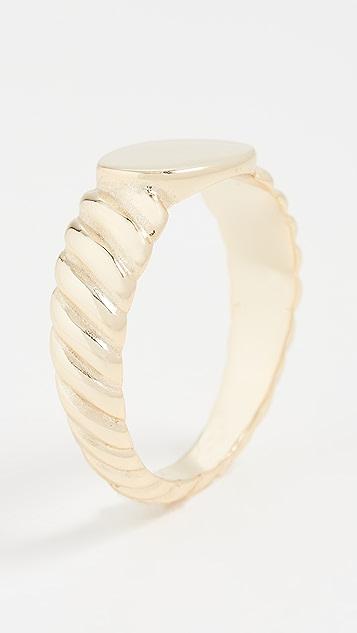 SHASHI Imperial Ring