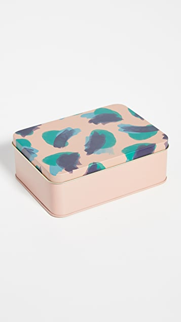 Shopbop @Home 精美实用工具套装