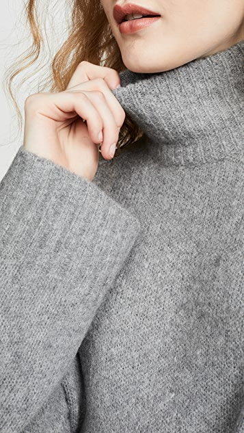 6397 Wide Rib Cashmere Turtleneck Sweater
