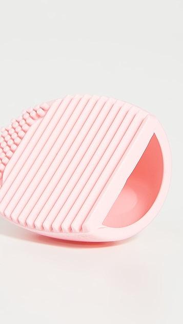 Skinnydip Pink Makeup Brush Cleaner