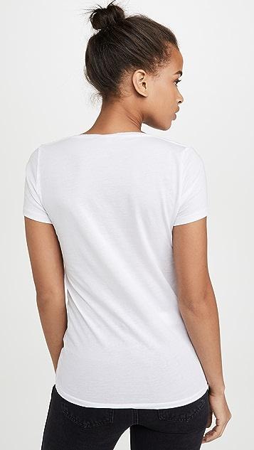 Skin V 领 T 恤