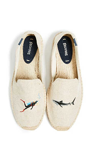 Soludos Scuba Shark Smoking Slippers