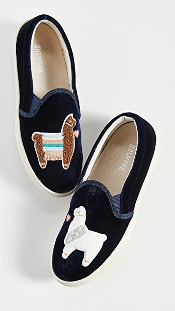 Soludos Llamas in Love 天鹅绒运动便鞋
