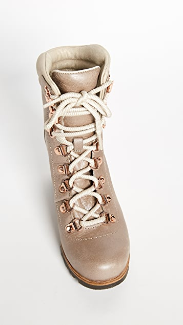 Sorel Conquest Wedge Holiday Booties