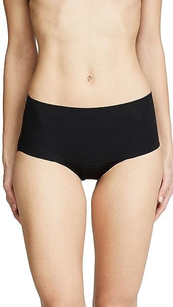 SPANX Undie-Tectable 短内裤