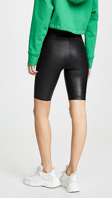 SPANX Байкерские шорты из искусственной кожи