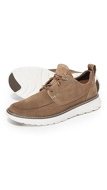 Sperry Element Suede 3 Eye Sneakers