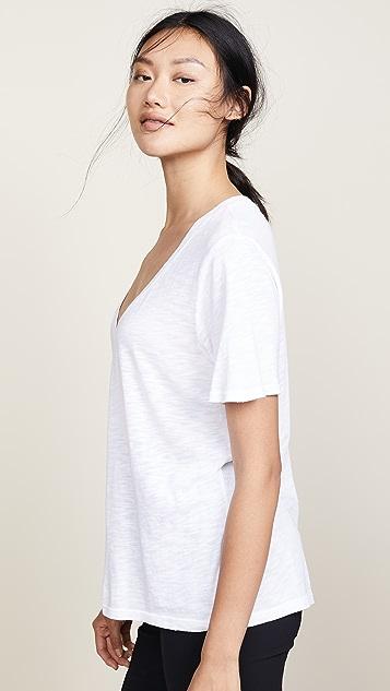 Splendid 棉质莫代尔纤维竹节纹 V 领 T 恤