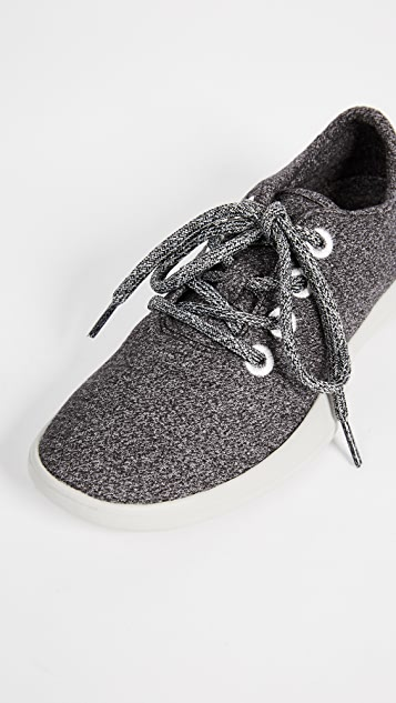 Steven Traveler Lace Up Sneakers