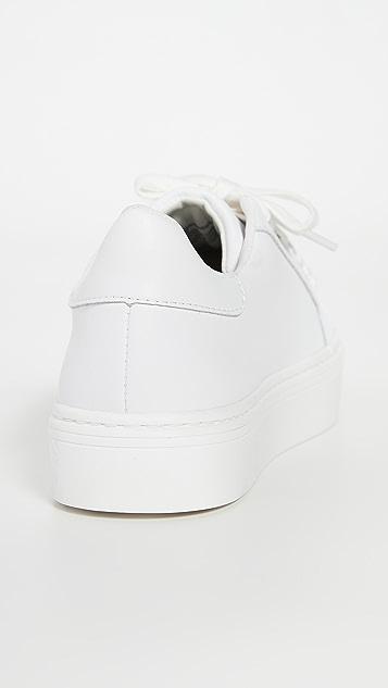 Steven Bass 运动鞋