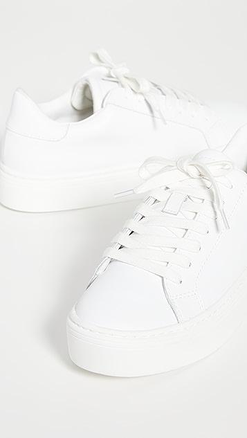 Steven Bass Sneakers